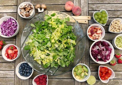 Alimentação saudável reduziria o humor depressivo na juventude